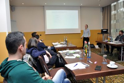 Prof. Dr. Inga Gryl und Workshop-Teilnehmer