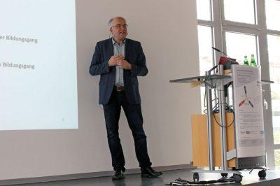 Christoph Dicke während seiner Präsentation bei der Zukunftswerkstatt 2019