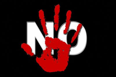 Rote Hand mit Schriftzug No