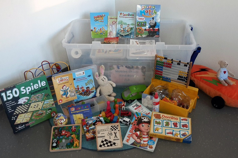 Die Spielbox für das mobile Eltern-Kind-Büro.