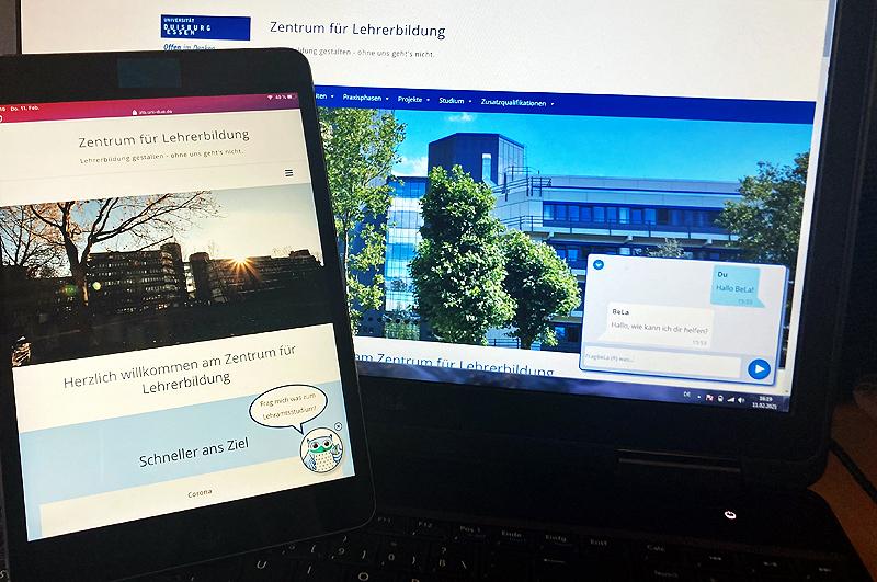 Ein Tablet und ein Laptop mit der ZLB-Website.