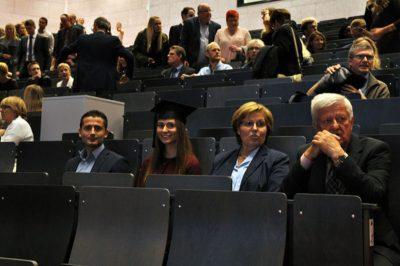 Absolventinnen und Absolventen bei der Abschlussfeier im Oktober 2017