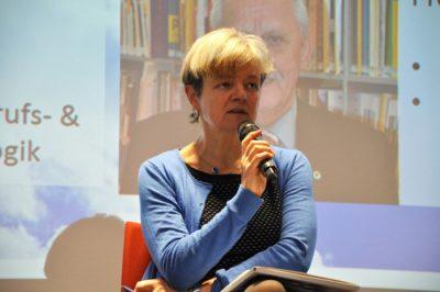 Podiumsdiskussion beim Symposium Inklusion für berufliche Bildung